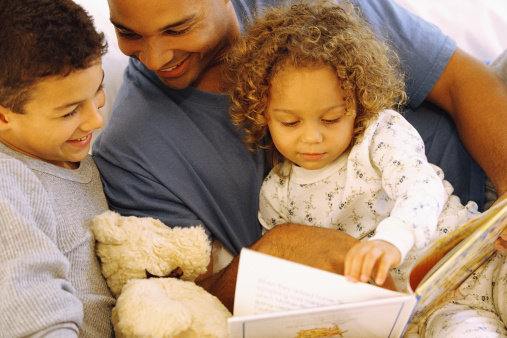 Why is it important to read to toddlers?